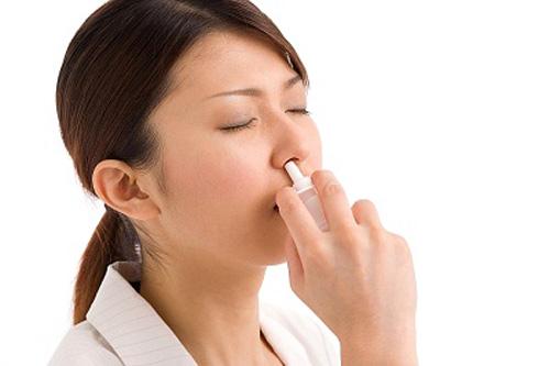 Thuốc nhỏ mũi trị viêm mũi dị ứng