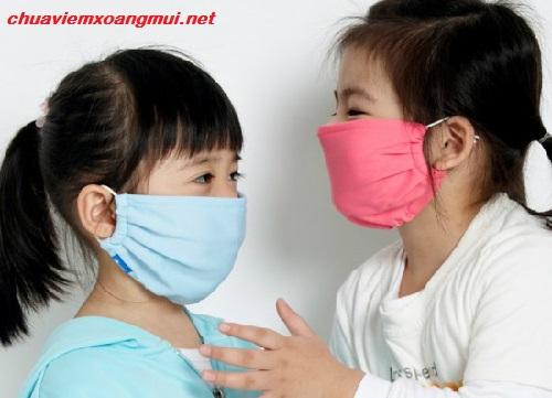 benh-viem-xoang-co-the-lay-qua-duong-nao1