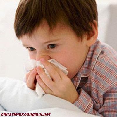 Làm sao khi trẻ bị viêm xoang viêm mũi