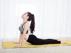 tong-hop-5-bai-tap-yoga-dieu-tri-viem-xoang-don-gian-nhat1