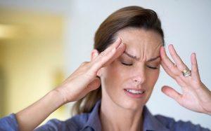 đau vùng mặt là một triệu chứng của viêm xoang thể nặng.jpg