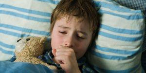 người bệnh có dấu hiệu buồn nôn do chất dịch ở cổ họng.jpg