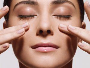 xoa bóp giúp giảm nghẹt mũi hiệu quả.jpg