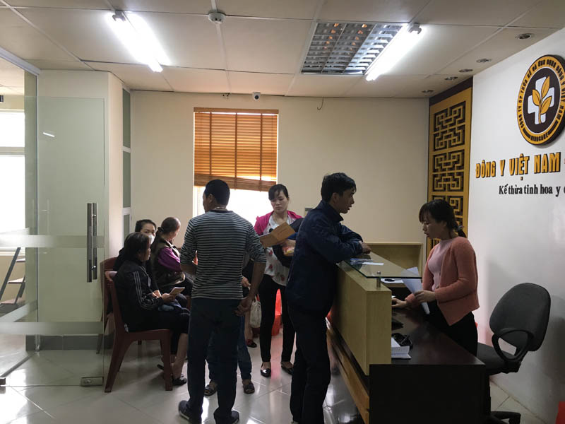 """Nhiều người bệnh tin tưởng và lựa chọn """"giải quyết"""" viêm xoang tại Trung tâm Đông y Việt Nam"""