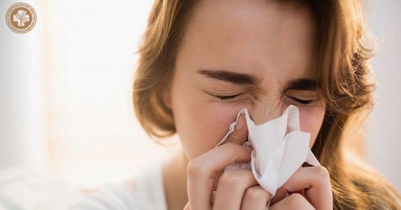 Sổ mũi là một triệu chứng của viêm xoang