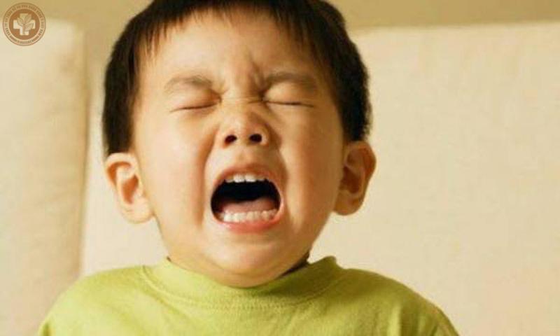 Trẻ em dễ mắc viêm mũi dị ứng