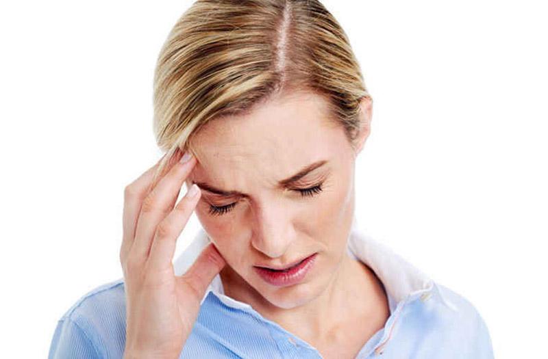 Đau nhức đầu là tình trạng phổ biến nhất ở người bệnh viêm xoang trán